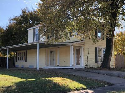 Guthrie Single Family Home For Sale: 1221 E Harrison