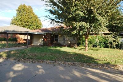Midwest City Single Family Home For Sale: 2408 Maple Drive