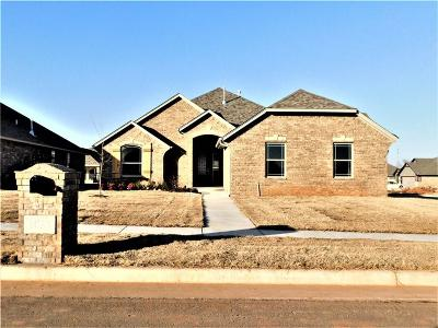 Moore OK Single Family Home For Sale: $237,000