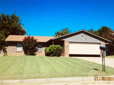 Midwest City Single Family Home For Sale: 709 Briarwood Drive