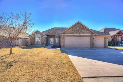 Moore Single Family Home For Sale: 616 SW 28th Street