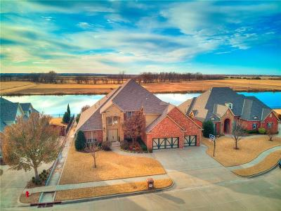 Norman Single Family Home For Sale: 712 Waterwood