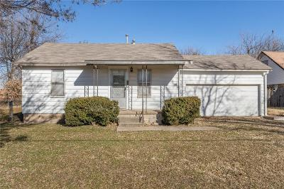 Moore Single Family Home For Sale: 929 NW 32nd Street