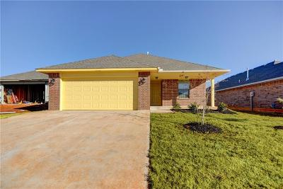 Midwest City Single Family Home For Sale: 210 St Charles Way