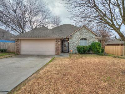 Noble Single Family Home For Sale: 604 Woodbriar