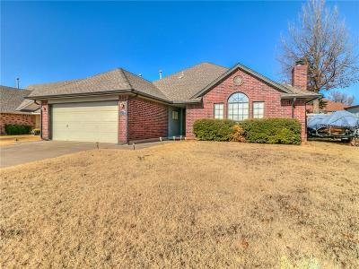 Moore Single Family Home Pending: 1631 NE 9th Street