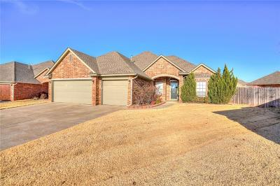 Moore Single Family Home Pending: 1301 Mead Circle