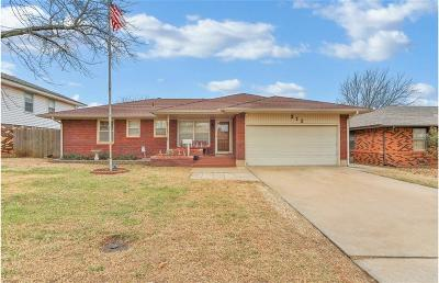 Midwest City Single Family Home For Sale: 212 W Glenhaven Drive