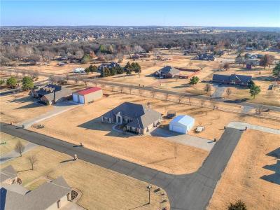 Edmond Single Family Home For Sale: 1100 Stone Crest Drive
