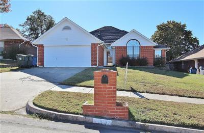 Midwest City Single Family Home For Sale: 11642 Elmhurst Drive