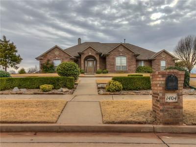 Mustang Single Family Home For Sale: 1404 E Red River Terrace