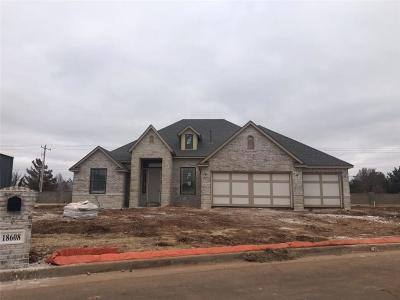 Edmond Single Family Home Pending: 18608 Diego Place