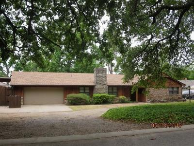Oklahoma City Single Family Home For Sale: 1608 Oak Lane