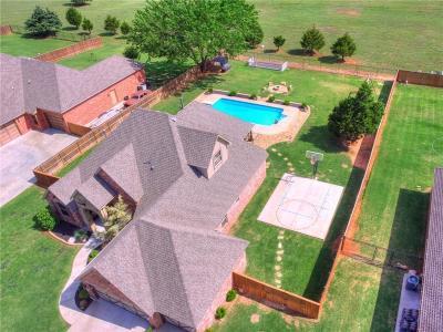 Mustang Single Family Home Pending: 608 E Amelia Terrace