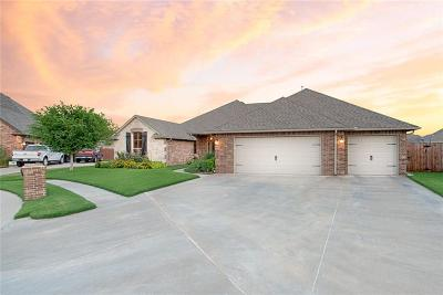Single Family Home For Sale: 4704 SW 124th Place