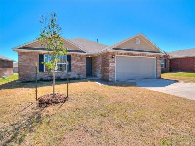 Mustang Single Family Home For Sale: 2012 W Autumn Way