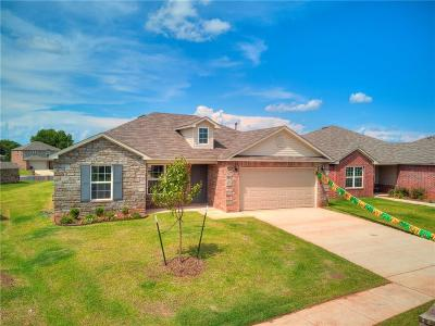 Mustang Single Family Home For Sale: 1824 W Antler Way