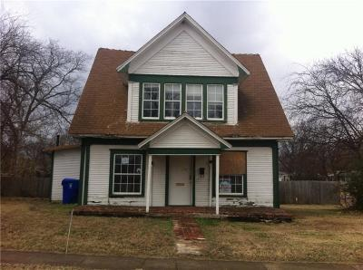 Norman Single Family Home For Sale: 204 S Cockrel