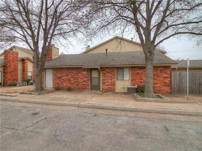 Edmond Condo/Townhouse For Sale: 1217 Sequoyah Place #A