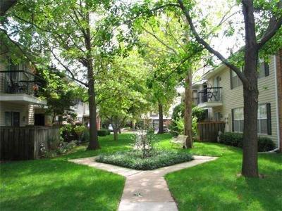 Condo/Townhouse For Sale: 3200 W Britton Road #6