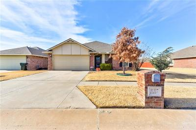 Edmond Single Family Home For Sale: 21217 Robin Ridge Lane