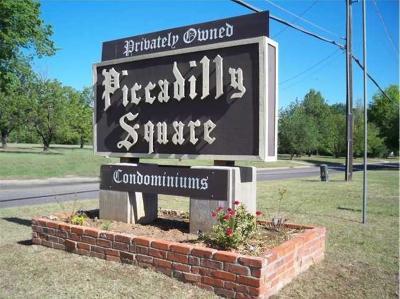 Oklahoma City Condo/Townhouse For Sale: 2620 N Ann Arbor Avenue #111