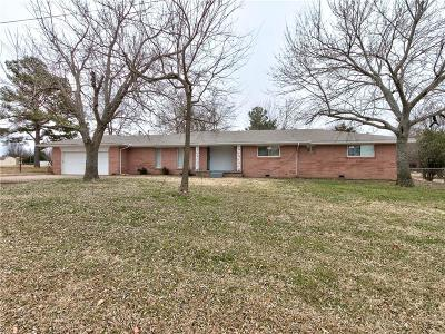 Norman Single Family Home For Sale: 2200 E Post Oak Road