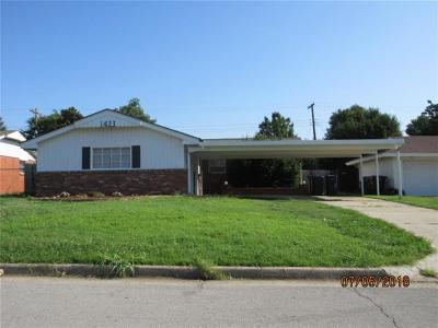 Oklahoma City Single Family Home For Sale: 1423 SW 78th Terrace