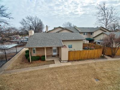 Oklahoma City Condo/Townhouse For Sale: 9646 Hefner Village Boulevard