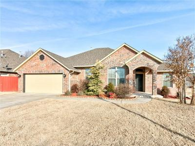 Mustang Single Family Home Pending: 535 W Pawnee Court Way