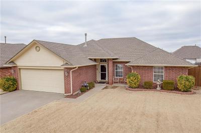 Mustang Single Family Home For Sale: 413 E Magnolia Terrace