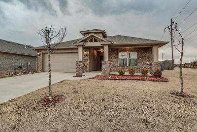 Norman Single Family Home For Sale: 820 Blue Fish