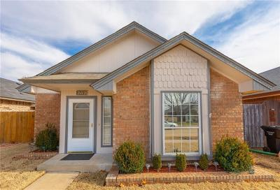 Moore OK Single Family Home For Sale: $127,500