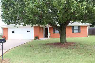 Marlow OK Single Family Home Sold: $117,000