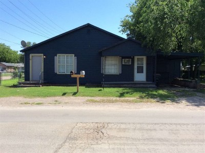 Rental For Rent: 1304 W Cypress Ave.