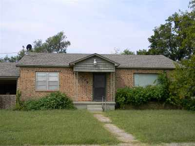Comanche Single Family Home For Sale: 509 N 6th