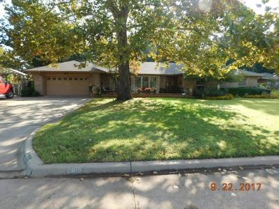 Duncan Single Family Home For Sale: 2108 Country Club Terrace