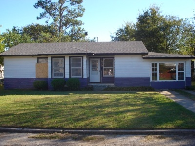 Comanche OK Single Family Home For Sale: $22,500