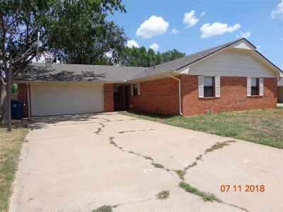 Single Family Home Sold: 3213 Lansbrook Ct
