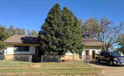 Single Family Home For Sale: 420 S 8th