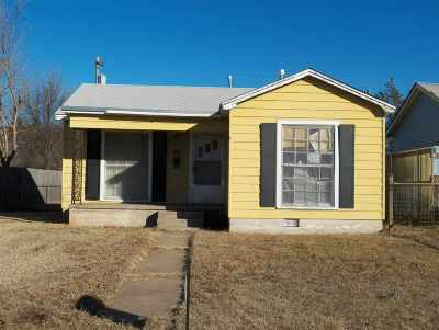 Duncan Single Family Home Active-Back On Market: 211 E Spruce