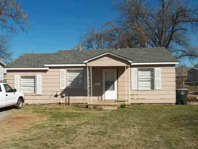 Marlow OK Single Family Home For Sale: $39,900