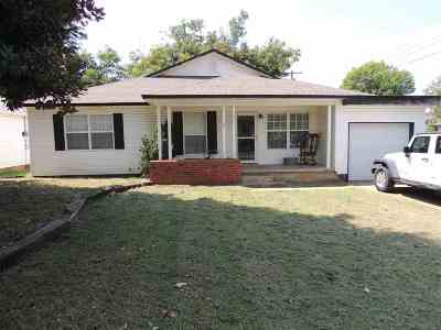 Marlow OK Single Family Home For Sale: $147,500