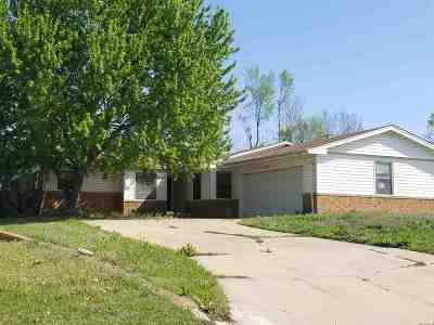 Single Family Home For Sale: 2217 Chisholm