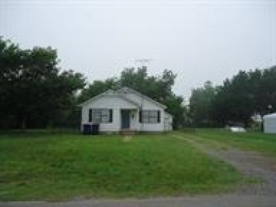 Marlow OK Single Family Home For Sale: $44,500