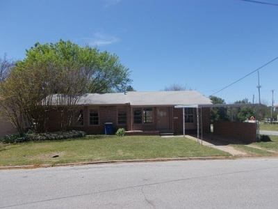 Comanche OK Single Family Home For Sale: $15,500
