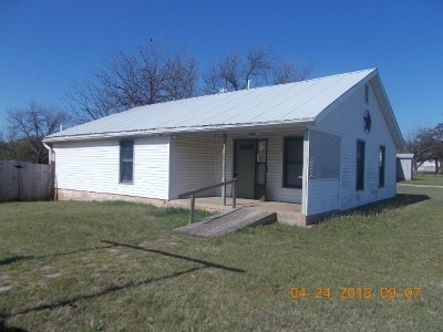 Comanche OK Single Family Home For Sale: $14,400