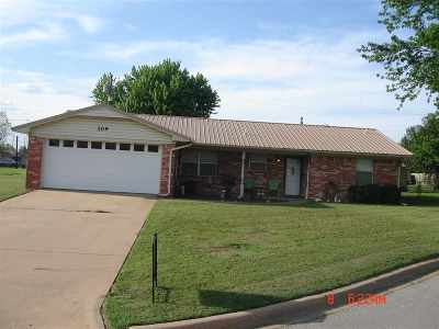 Marlow, Rush Springs Single Family Home For Sale: 109 Pine Circle