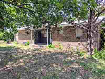 Duncan Single Family Home For Sale: 201 W Hickory Ave