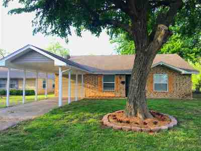 Marlow, Rush Springs Single Family Home For Sale: 106 E Seminole